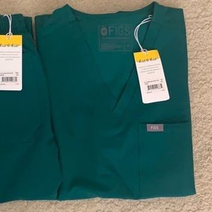For Soraya: NWT FIGS Limited Ed Hunter Green Top
